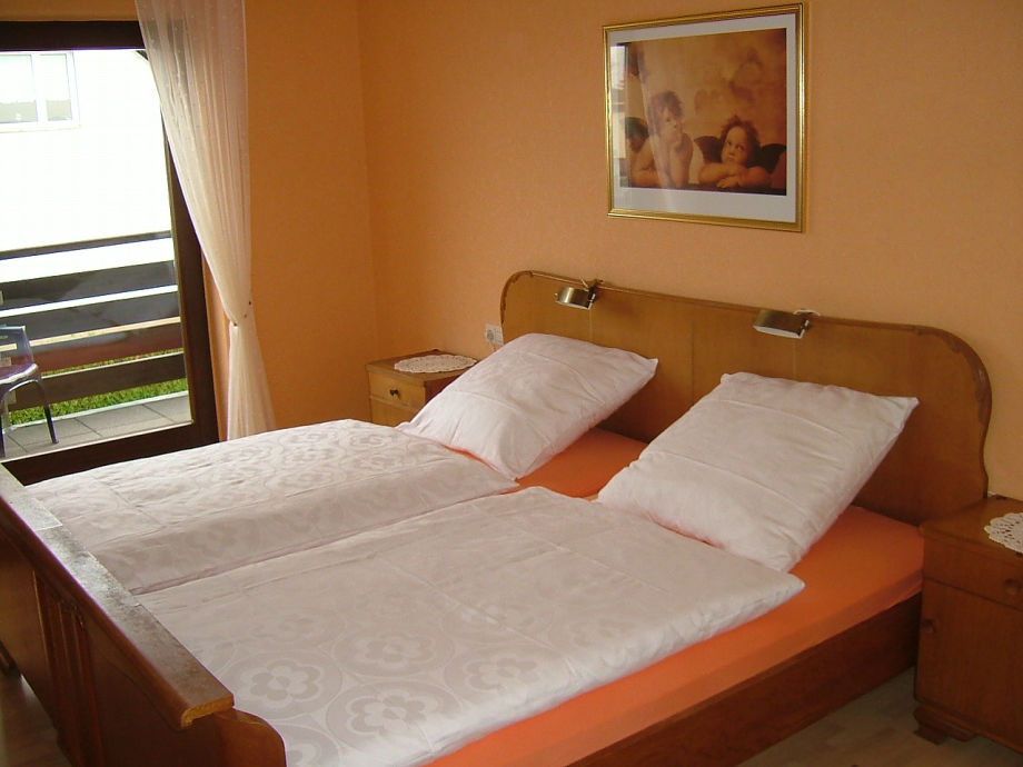 Blick In Die Ferienwohnung U2013 Schlafzimmer