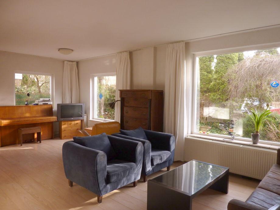 Wohnbereich mit Klavier