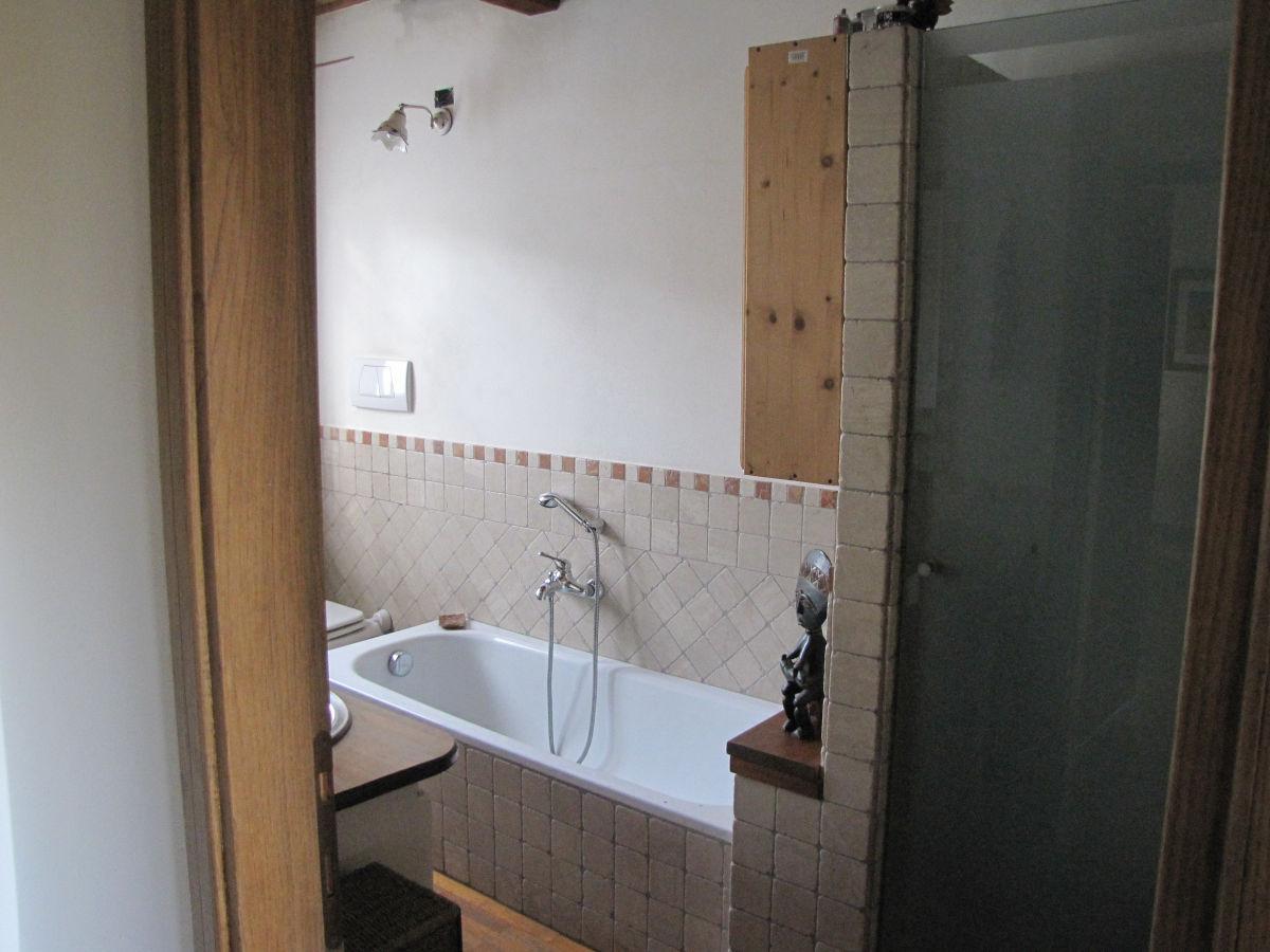 ferienhaus villa daniela toscana lucca pescia firma. Black Bedroom Furniture Sets. Home Design Ideas