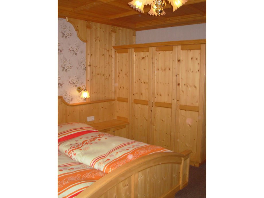 graue fliesen k che. Black Bedroom Furniture Sets. Home Design Ideas