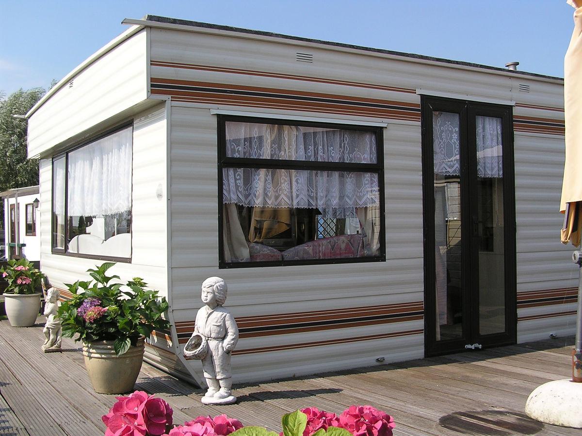 wohnwagen campingplatz de badhoeve amsterdam. Black Bedroom Furniture Sets. Home Design Ideas