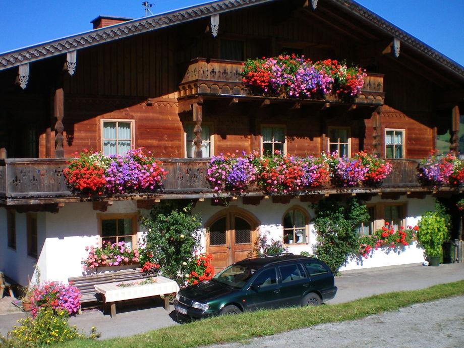 Unser Bauernhaus im Sommerkleid