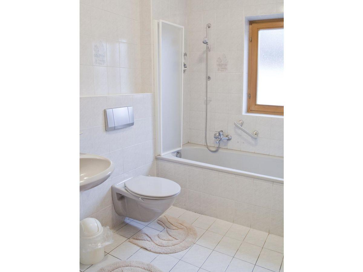 a1369d86fc7d Ferienwohnung Haus Bader, Garmisch-Partenkirchen, Herr Georg und ...