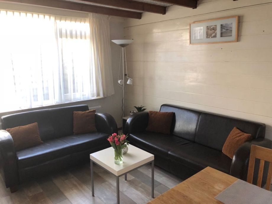 Wohnzimmer mit 2- und 3-Sits Sofa