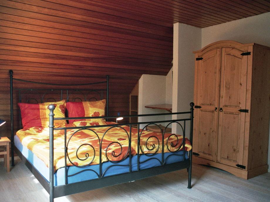 Ferienhaus maison kribi wangerooge nordsee herr wolfgang linz - Dachgeschoss schlafzimmer ...