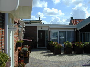 Holiday apartment in Bungalow Huis ter Duin
