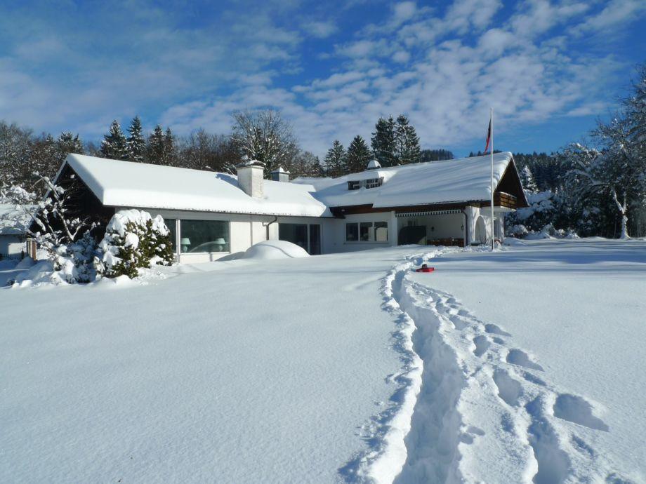 Winterwunderland - Unser Haus im Pulverschnee