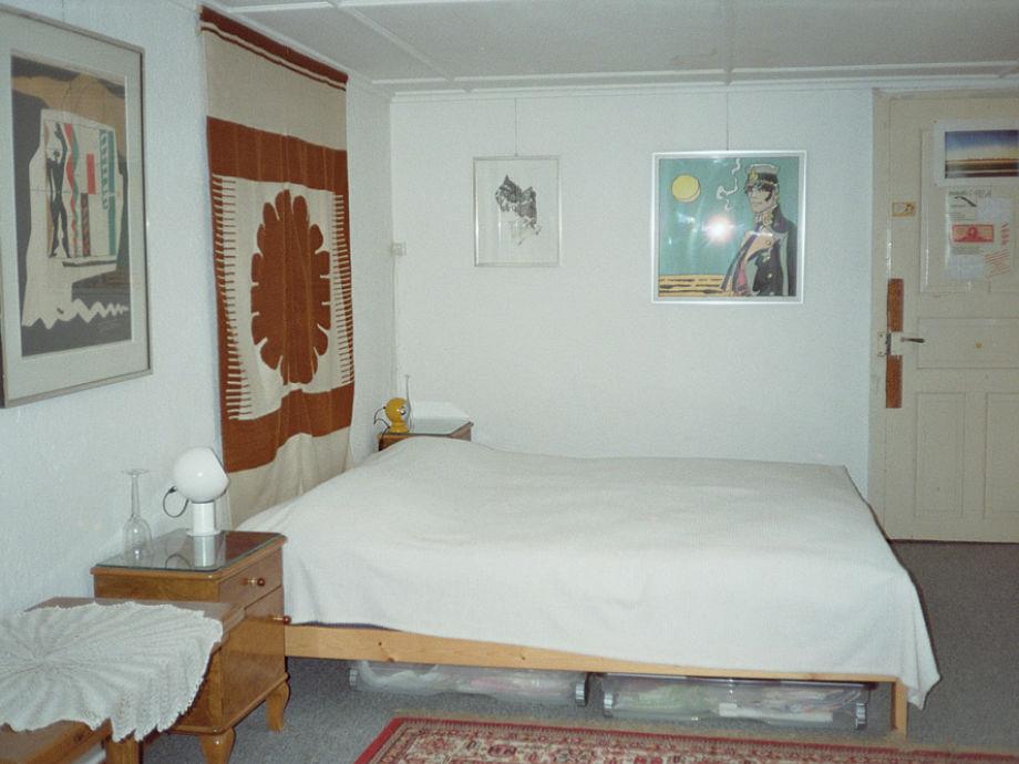 ferienwohnung ruine du moujik grandval frau lucienne lanaz. Black Bedroom Furniture Sets. Home Design Ideas