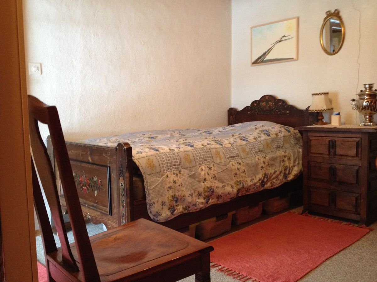 ferienwohnung ruine du moujik grandval jura frau lucienne lanaz. Black Bedroom Furniture Sets. Home Design Ideas