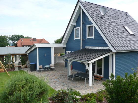 Schwedenhaus blau  Ferienhaus Schwedenhaus am Fleesensee blau, Untergöhren - Firma ...