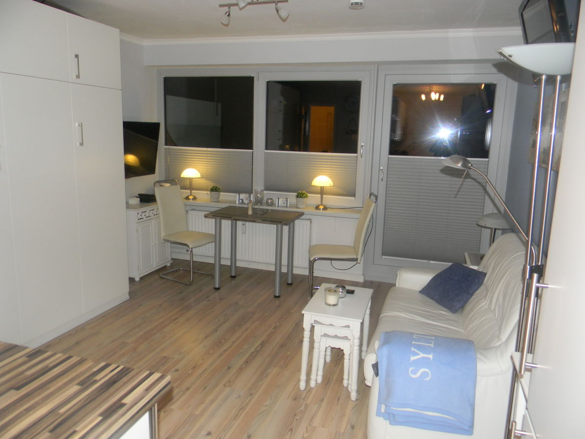 ferienwohnung d nenhof app d nenstern sylt sylt firma frau familie ute wulff. Black Bedroom Furniture Sets. Home Design Ideas
