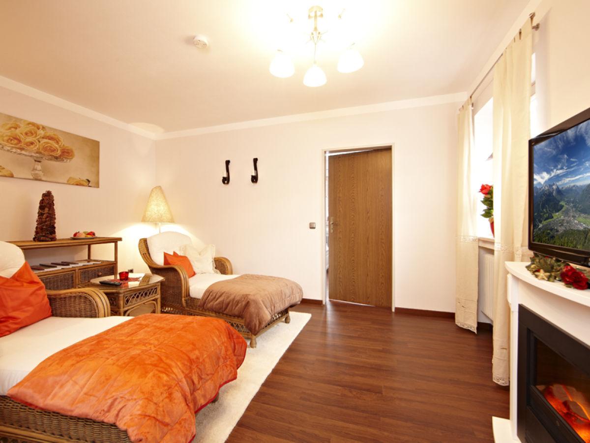 ferienwohnung rosengarten farchant frau josefine reiser. Black Bedroom Furniture Sets. Home Design Ideas