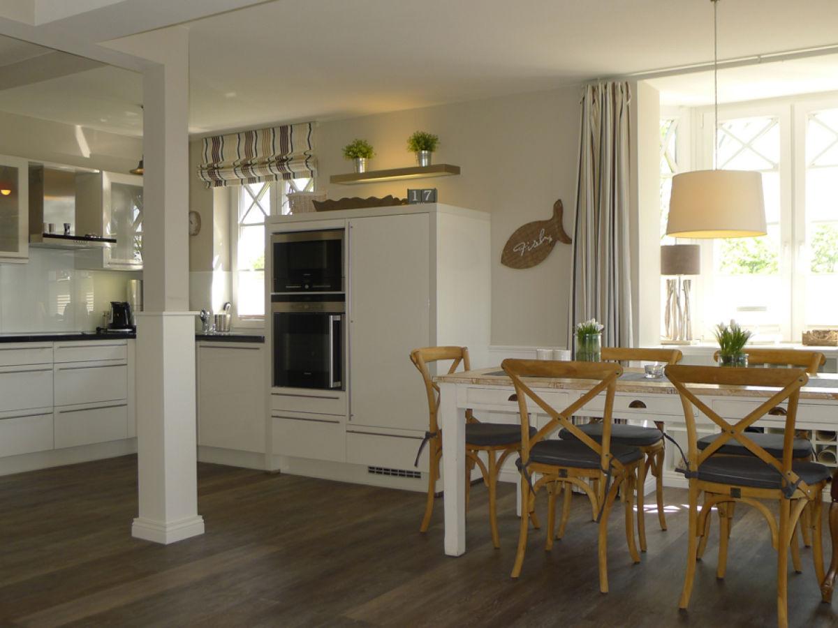 ferienhaus h s strandleev 1 f hr firma insel f hr. Black Bedroom Furniture Sets. Home Design Ideas