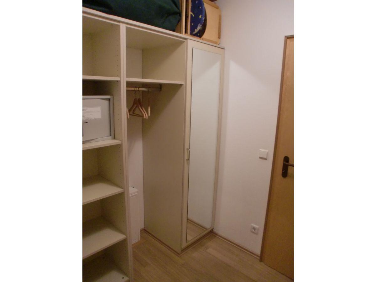 ferienwohnung meerblick r gen herr christian wellermann. Black Bedroom Furniture Sets. Home Design Ideas