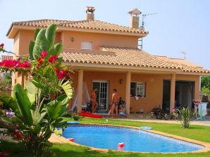 Villa Javi für 2 Familien mit Privatpool und Internet