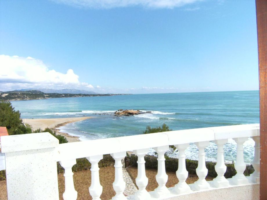 Traumhafter Panoramablick auf das Meer