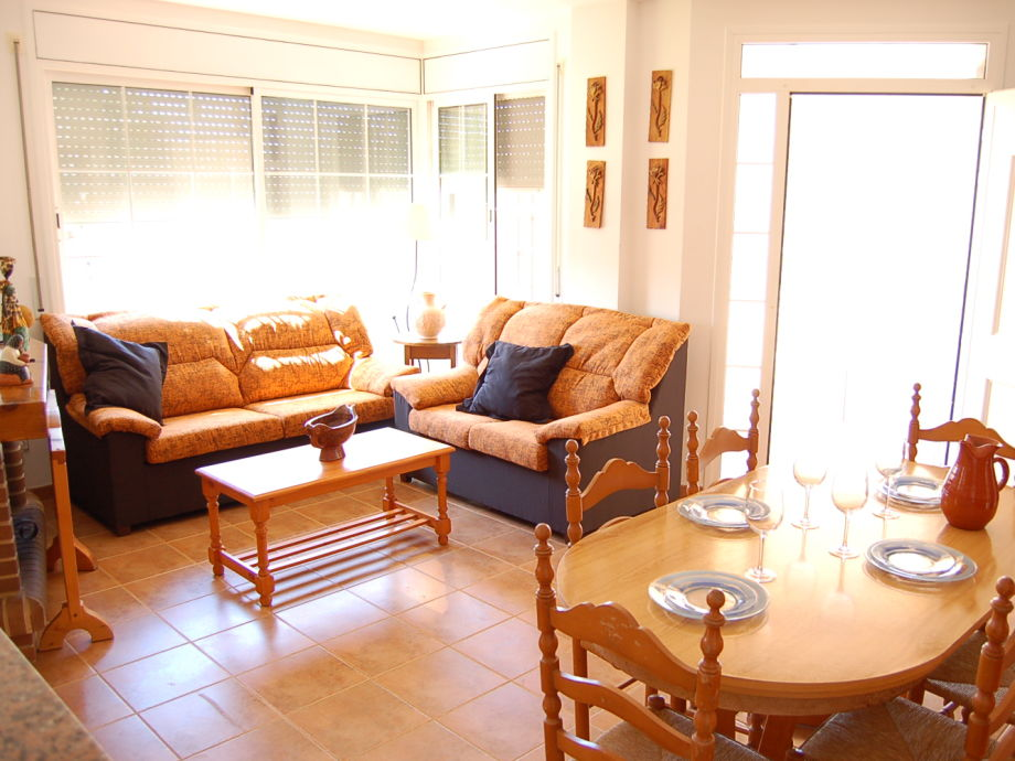 villa alvaro mit privatpool urlaub mit hund ebro delta tarragona firma delta chalets gmbh. Black Bedroom Furniture Sets. Home Design Ideas