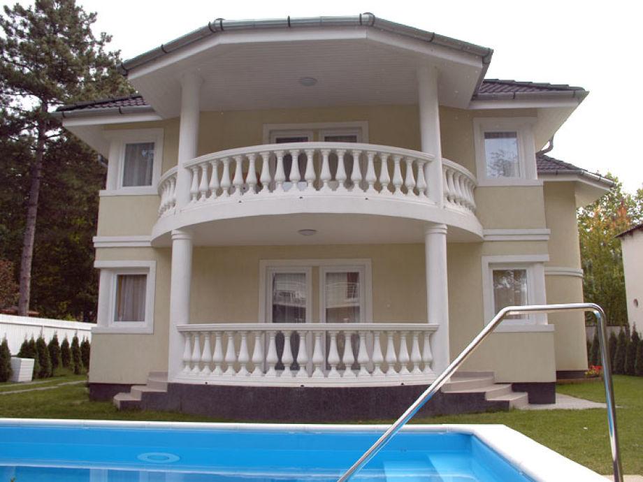 Ferienhaus Beate mit Pool