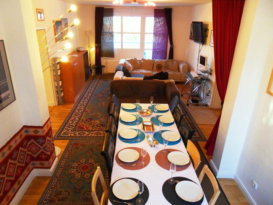 Lounge, und Essbereich (28qm)