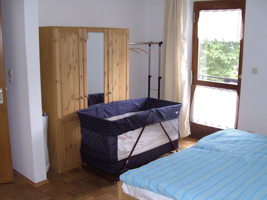 ferienwohnung arnold ii herbstfarben blaues land und zugspitzregion familie kurt und. Black Bedroom Furniture Sets. Home Design Ideas