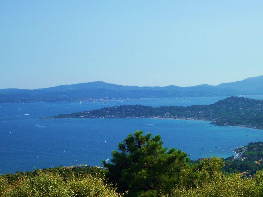 Top-Blick auf das Meer und St.Tropez