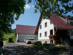 """Ferienwohnung auf dem Ferienhof """"Zum Rößberg"""""""