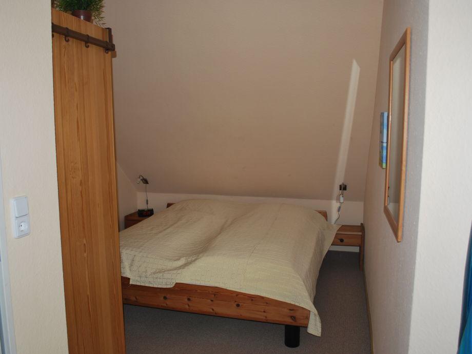 ... Kleine Schlafzimmer Doppelbett Ferienhaus Sonnenkieker Ostfriesland  Krummh 246 Rn Familie ...
