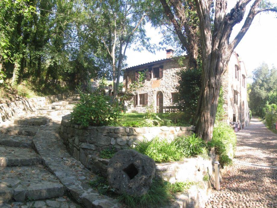 Die Mühle Le Ferriere vom Eingangstor gesehen