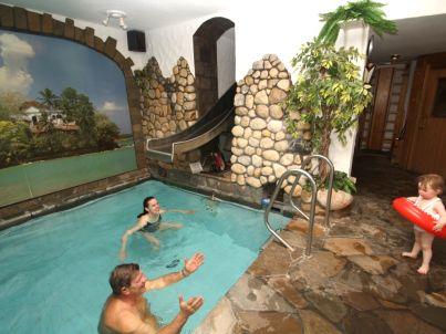 Simonis 2.OG - Privat Hallenbad u. Sauna