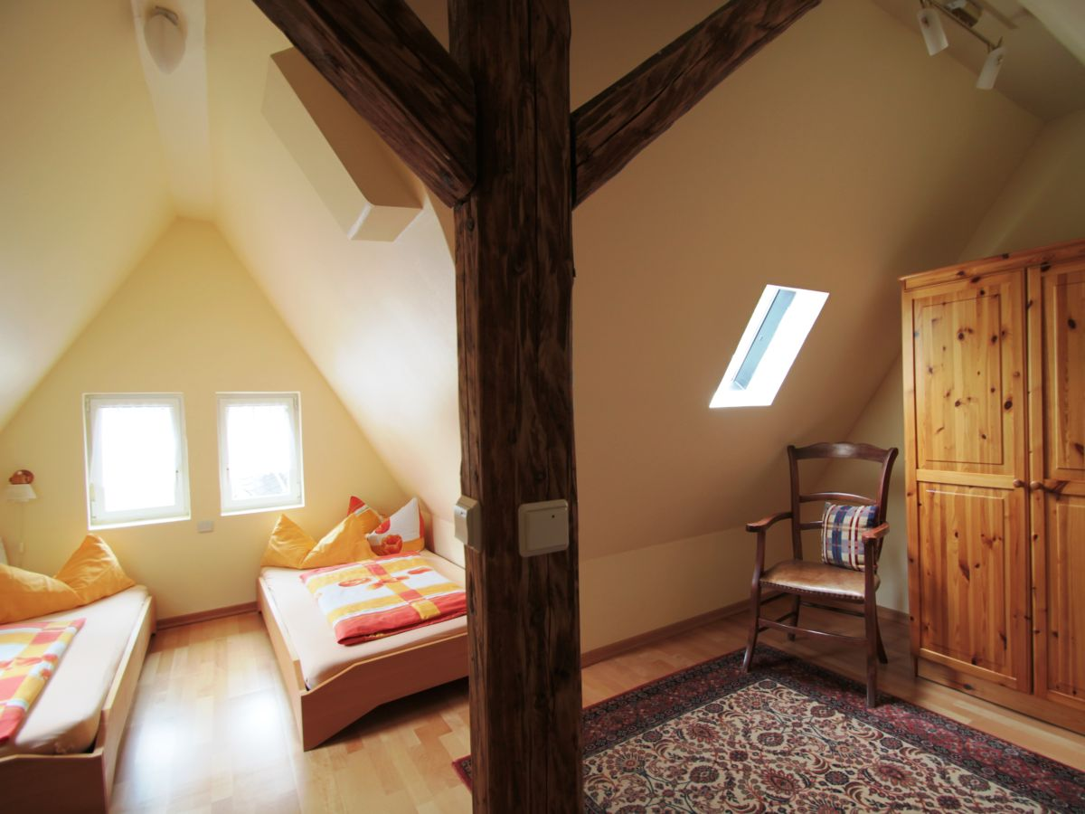 ferienwohnung simonis 2 og privat hallenbad u sauna mosel firma ferienhaus simonis herr. Black Bedroom Furniture Sets. Home Design Ideas