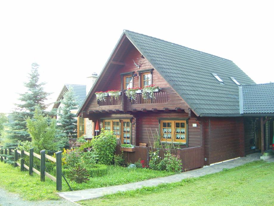 Holzblockhaus, obere Etage ist Ferienwohnung