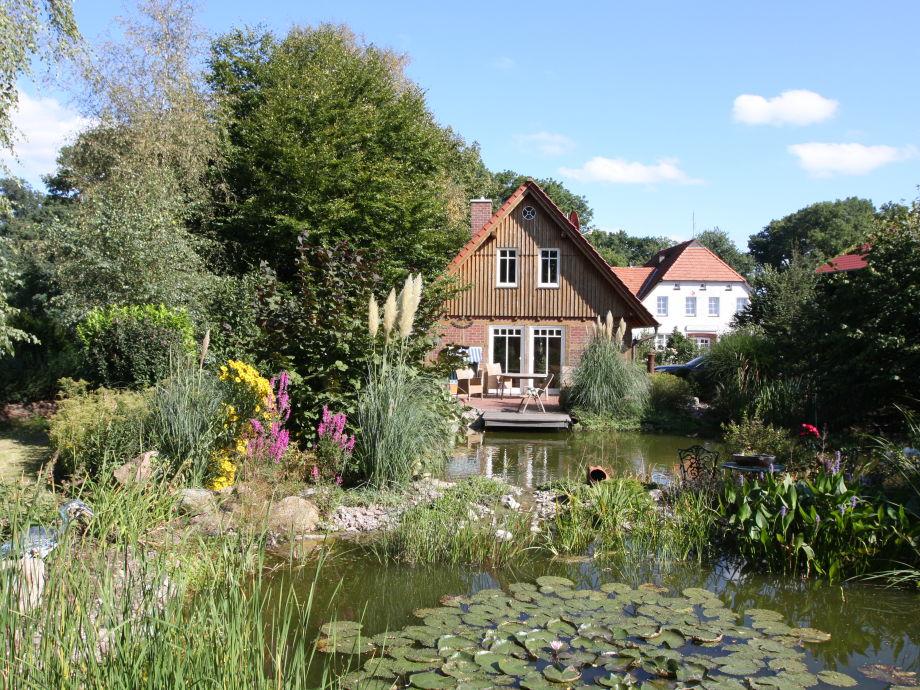 Außenaufnahme by the pond