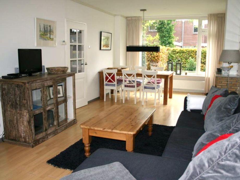 wohnzimmer holzboden:Wohnzimmer mit Holzboden
