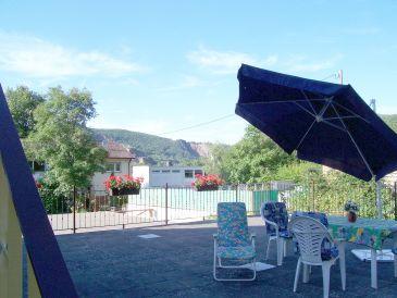 Ferienwohnung Obergeschoß (m. Gartenhaus)