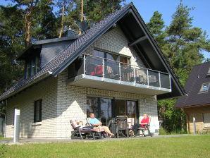 Ferienwohnung (EG/OG) im Haus Am Müritzufer