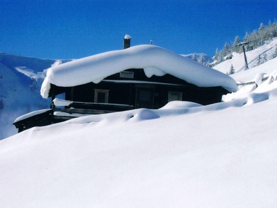 Unsere Skihütte 3000 im Winter