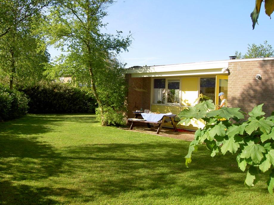 Bungalow im Garten