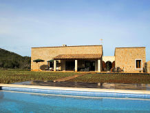 Finca in Alleinlage mit Pool in Manacor ID 2304