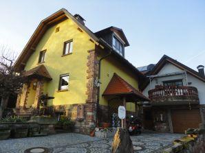 Ferienwohnung Ferienhaus Burgblick
