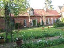 Ferienhaus Vierseitenhof mit Schwimmbad im Wendland