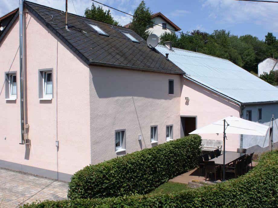 Eigangsbereich mit Terrasse
