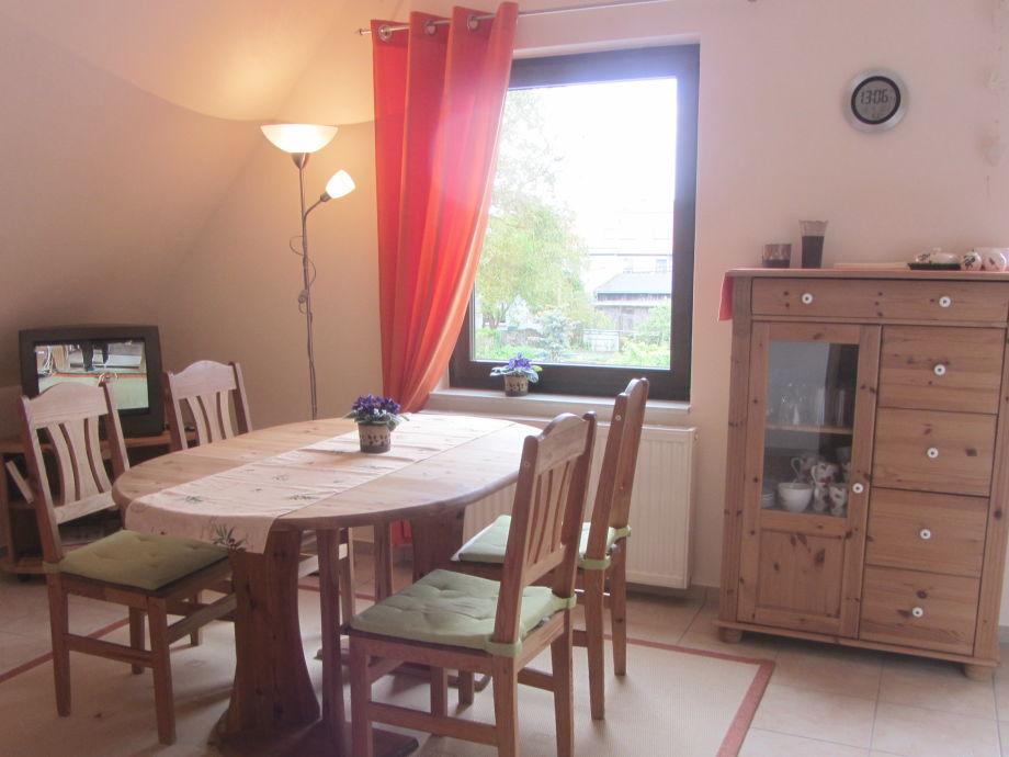 Essbereich 6 Sitzplätzen, Tisch mit 2 Einlegeplatten