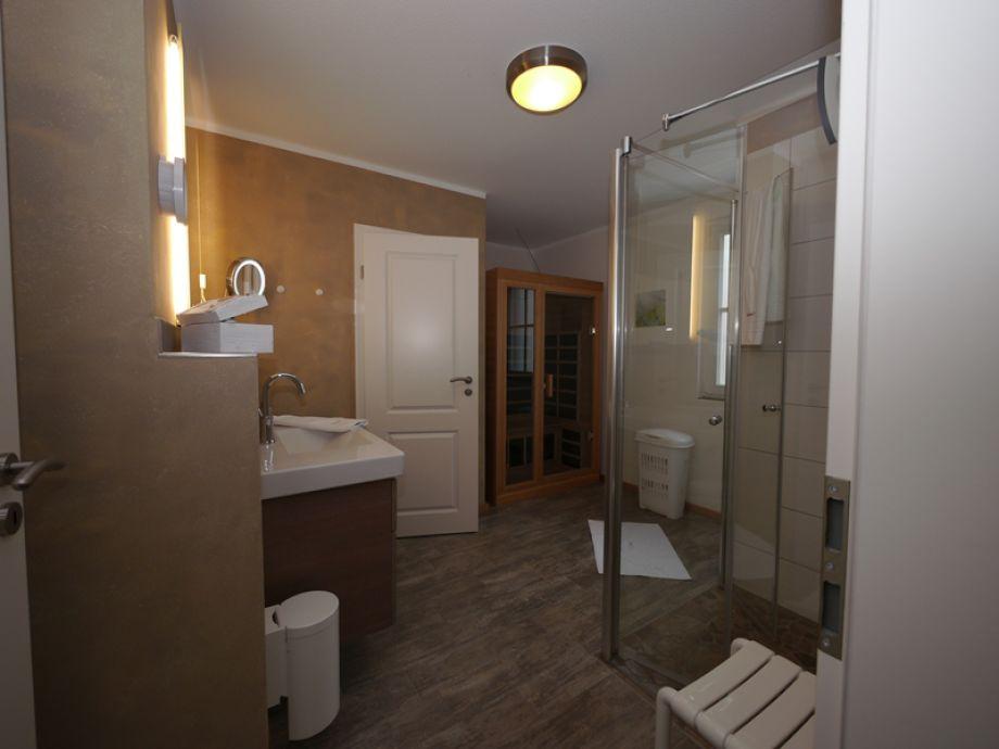 groes bad im eg mit bodengleicher dusche - Bodengleiche Dusche Offen 2