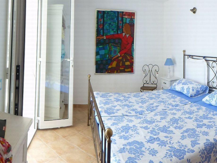 ferienwohnung bellevue ligurien provinz imperia herr. Black Bedroom Furniture Sets. Home Design Ideas