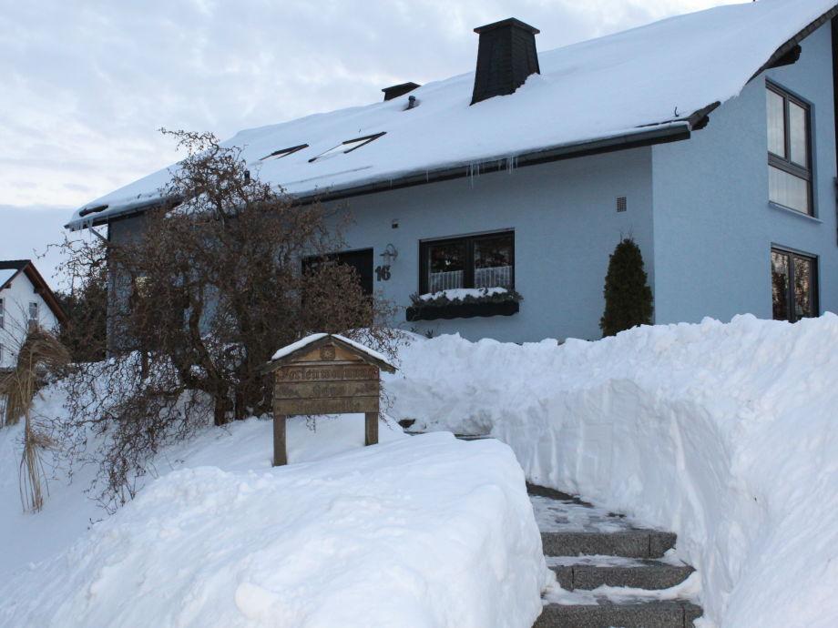 """""""Haus Friederike"""" im Schnee"""
