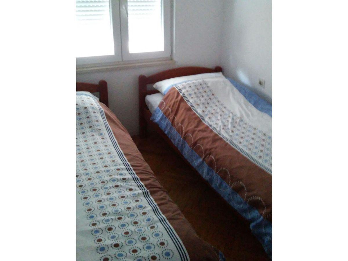 Kroatien ferienhaus privat istrien frau mirsada zonic for Kinderzimmer 2 betten