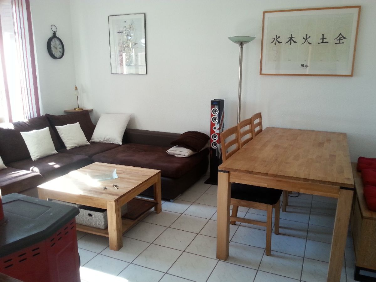 ferienhaus ardeche saint julien de peyrolas languedoc. Black Bedroom Furniture Sets. Home Design Ideas