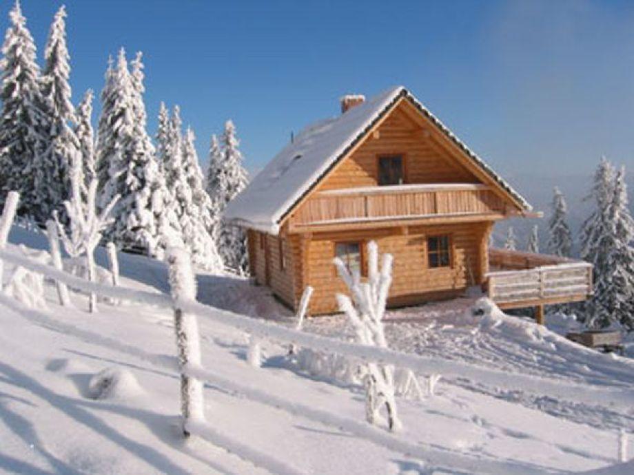 Skihütte Geierkogelhütte im Winter