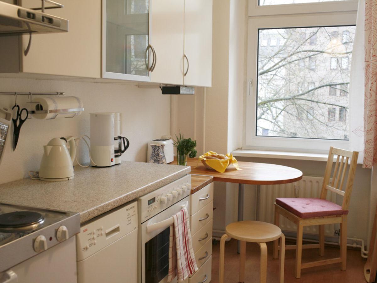 ferienwohnung tiergarten ii berlin tiergarten frau. Black Bedroom Furniture Sets. Home Design Ideas