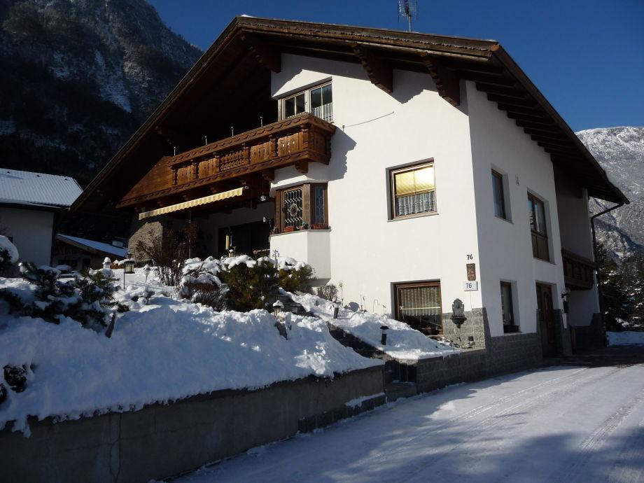 Haus Frank im Winter